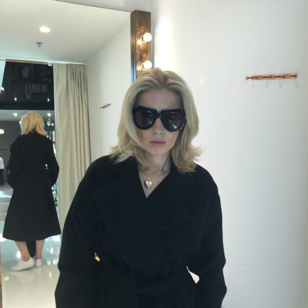 Noemi Meilman wearing Pas du Tout coat